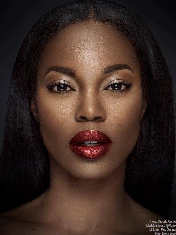 Black dress red lips for fair
