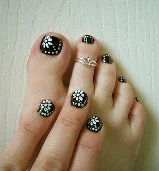 Short nails b nail art