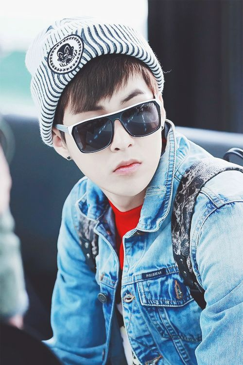 "Exo - Xiumin ""Look at this cool guy :D"""