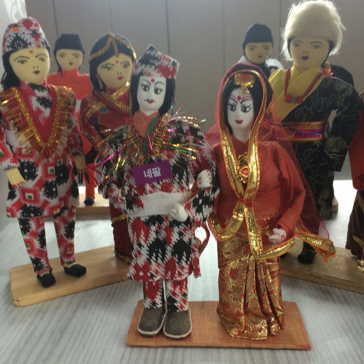 오랫만에 다문화어린이도서관에 갔더니 동남아시아의 멋진 문화가 있었습니다.