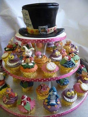 torre cupcake Alice no país das maravilhas chapéu