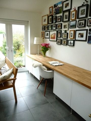 eames DAW with white/wood home office desk - 25 Amazing Home Offices You Don't Want to Miss!