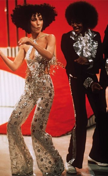 THIS IS ONE OF THE BEST LOOKS EVER. AND THIS PERFORMANCE WAS EVERYTHING