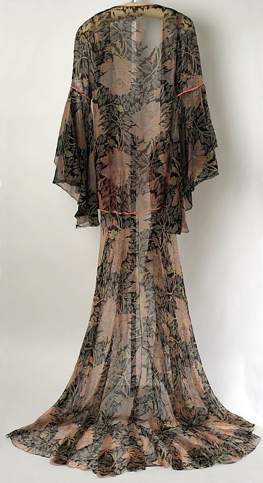 Tea gown - Jessie Franklin Turner (1926)