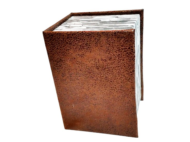 Classy handmade deck boxes made with a mix of high technology and old bookbinding tradition. Fits up to 100 single-sleeved cards!