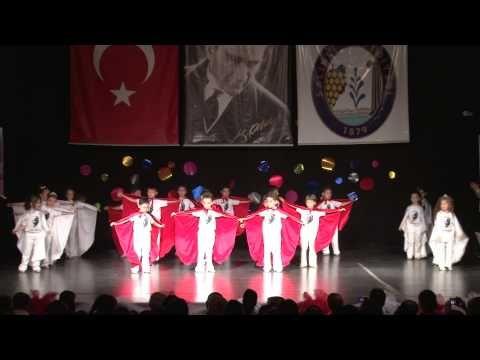 Mavi boncuk anaokulu 2011 yılsonu gösterisi - YouTube