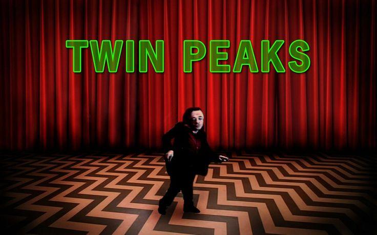 Twin Peaks est le titre d'un feuilleton télévisé américain constitué d'un pilote de 90 minutes, d'un épisode de 90 minutes, et de 28 épisodes de 45 minutes, créé par Mark Frost et David Lynch. Dans la ville imaginaire de Twin Peaks, située dans le nord-ouest de l'État de Washington, le cadavre de Laura Palmer, une jolie lycéenne connue et aimée de tous, est retrouvé emballé dans un sac en plastique sur la berge d'une rivière.