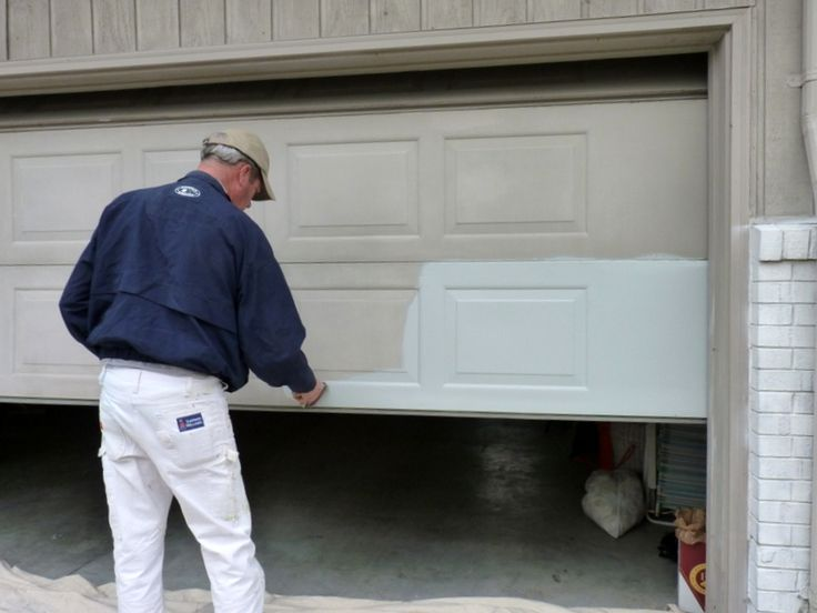 Best 25 painted garage doors ideas on pinterest garage - Garage door painting ideas ...