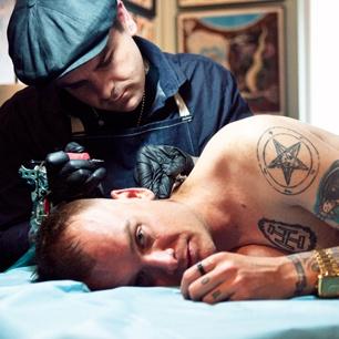 Matt Skiba of Alkaline Trio getting tattooed by Dan Smith