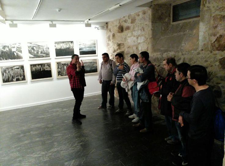 El club de lectura fácil, CUENTO CONTIGO de Las Conchas,  estamos leyendo Don Quijote, por ese motivo, hoy martes 2 de mayo de 2017 nos hemos ido a visitar la exposición de Fernando Ledesma en la Salina teniendo el privilegio de tener como lazarillo al propio artista.