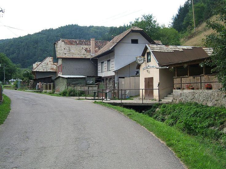 Šášovské podhradie bufet - panoramio - Saskőváralja – Wikipédia