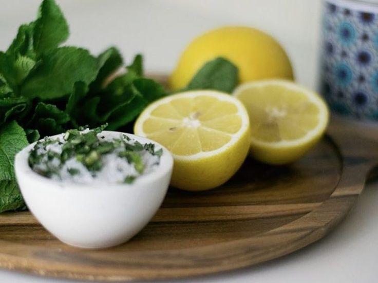 DIY-Anleitung: Salzpeeling mit frischer Minze selber machen via DaWanda.com                                                                                                                                                                                 Mehr