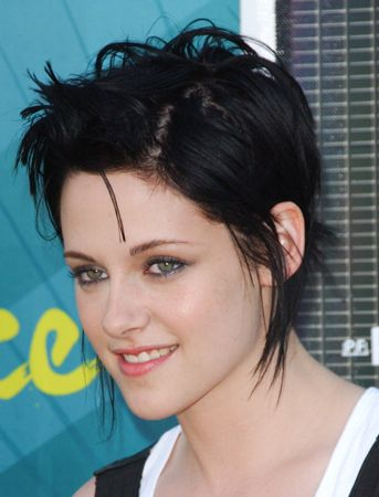 Kristen Stewart: Hair Styles, Short Funky Hairstyles, Short Hairstyles, Kristen Stewart, Braid Hairstyles, Shorts, Hairstyles Kristen, Hairstyles For Short Hair, New Hairstyles