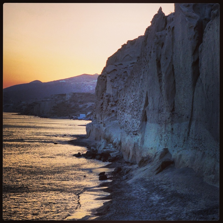 Vlychada beach, Santorini  www.santoriniheritagevillas.com #santorini #santorinivillas #greece #travel