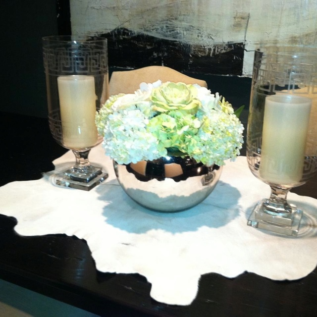 Love this floral arrangement and container