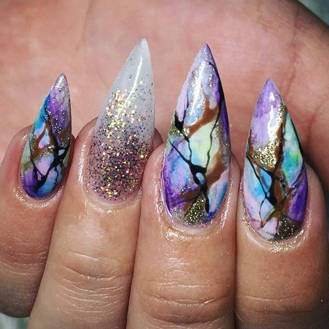 "1,363 Likes, 12 Comments - Matrix of Nails (@matrixofnails) on Instagram: ""@Regrann from @denisenails_yeg -  All done by free hand #swaroski #780 #blingnails #blingbling…"""