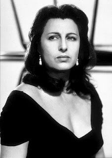 Anna Magnani - Nannarella  Please do not retouch my wrinkles. It took me so long to earn them.
