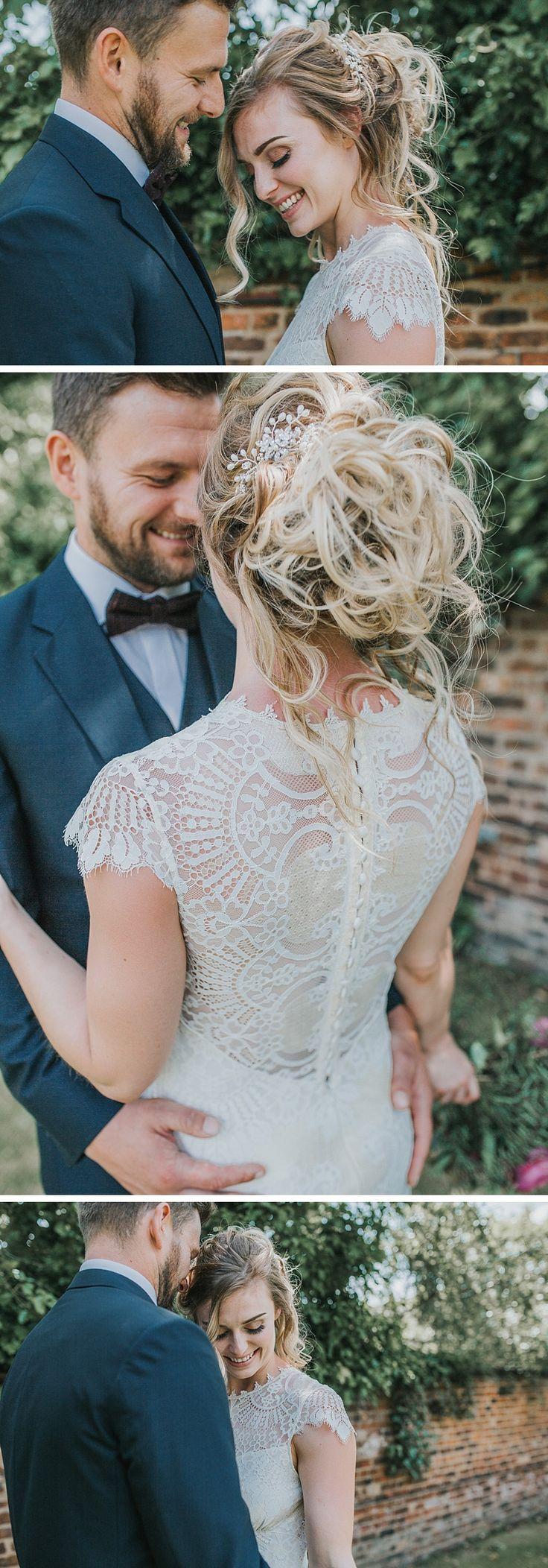 bride and groom posing ideas | wedding hair ideas | relaxed bridal hair | the faversham leeds wedding venue