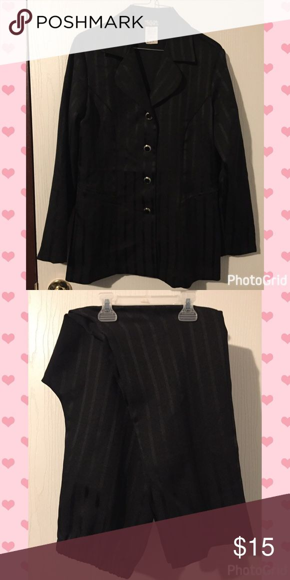 """Ladies Dress Suit Black ladies dress suit, jacket and pants. Sz. 8. Jacket is about 27 1/2"""" long, inseam on pants is 30"""" long. Brand is Helen Blake Helen Blake  Other"""