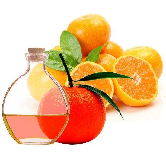 Mandarina Óleo Essencial. O óleo essencial de Mandarina é um bom ingrediente para os óleos e loções corporais porque contribuí a melhorar a circulação entre outras coisas.