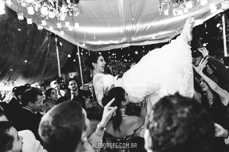 """La boda de Juliana y Pablo, """"Samba y Mariachi"""" en Guadalajara México. Pictures of bride and groom at their beautiful mexican wedding. I must say Mexicans know how to party!"""