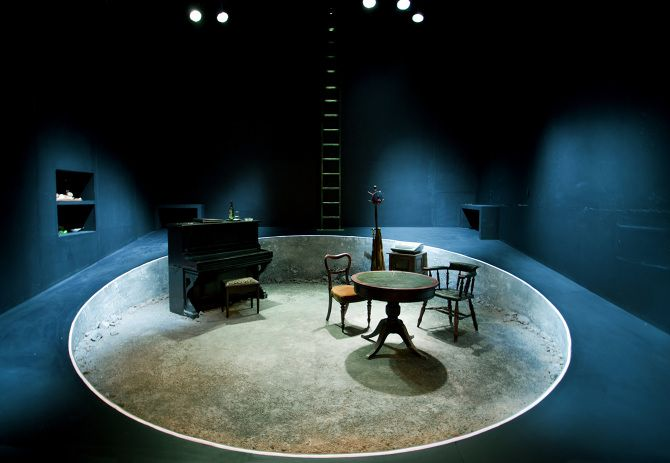 Play Strindberg. Ustinov Theatre Bath. Scenic design by Max Jones. 2014
