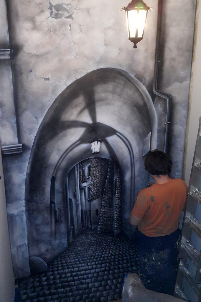 Malowanie ściany 3D, artystyczne graffiti na klatce schodowej, malowanie klatki schodowej