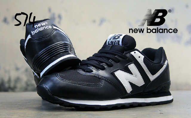 NEW BALANCE 574(Code: 2CL125;@220.000) Sepatu Pria Made in Indonesia Size 40 – 44  Membuat AGAN tampak semakin cekatan, fashionable dan berkelas. SMS: 08531 784 7777 PIN: 331E1C6F Website: www.butikfashionmurah.com
