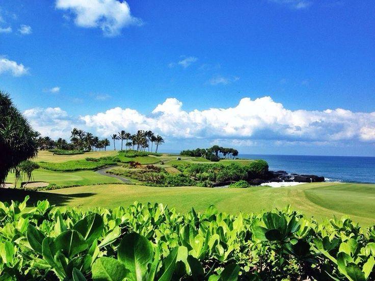Take a break, and enjoy the refreshment from Nirwana on Earth. Good morning and this is Friday!  Ambil waktu untuk istirahat dan nikmati sebuah penyegaran dari Nirwana. Selamat pagi dan hari ini adalah hari Jumat!  (Courtesy photo by Demy Suryadewi)  #PanPacificBali #Bali #Resort #TanahLot #HeavenOnEarth #beach