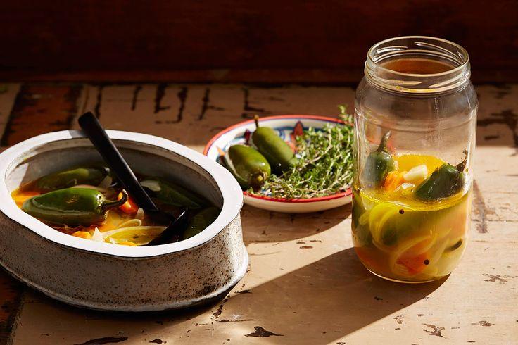 Pickled Jalapeño chillies (jalapeños en escabeche)