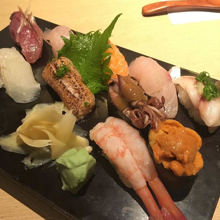 Sushi #hana #sushi #Jap #nigiri #girlslunch #getfat #gettogether #fattytuna #fatlunch #fatdinner #hkfoodie #hkfood #hkeats #yum #nomz #fish #fresh #toro #aburitoro #uni #seaurchin #云丹 #ebi #squid #hamachi #shimaaji #maguro by gobble_goblin