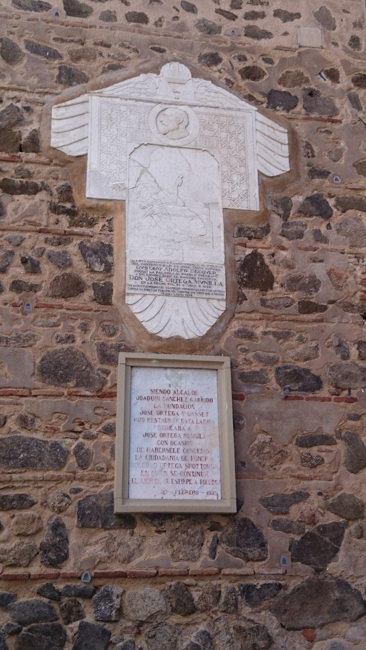 Placa homenaje al gran escritor Gustavo Adolfo Becker
