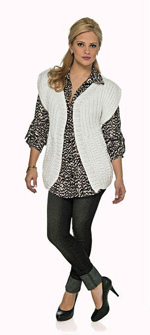 Blusa branca aberta manga curta Cisne Spark #tricô #receita #esquema #CoatsCorrente