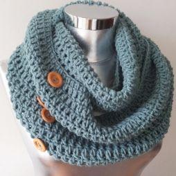 10 objets pour un automne tout en douceur - Echarpe tour de cou en laine et boutons
