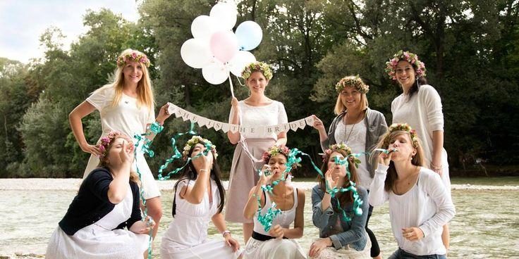 Bei diesem echten JGA Shooting in München zeigen Ina und ihre Mädels, dass coole JGA Bilder ein Muss für jeden Mädelstag sind...