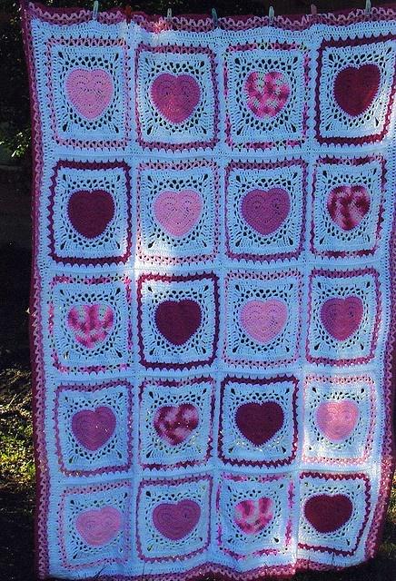 Granny Square heart blanket - no pattern