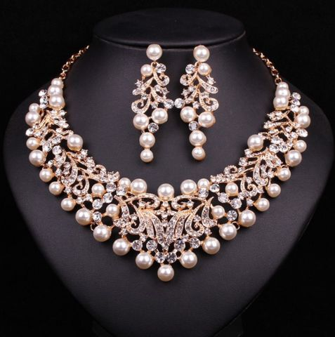 Fashion Pearl Statement  Bridal Jewelry Sets In Gold Plated Base