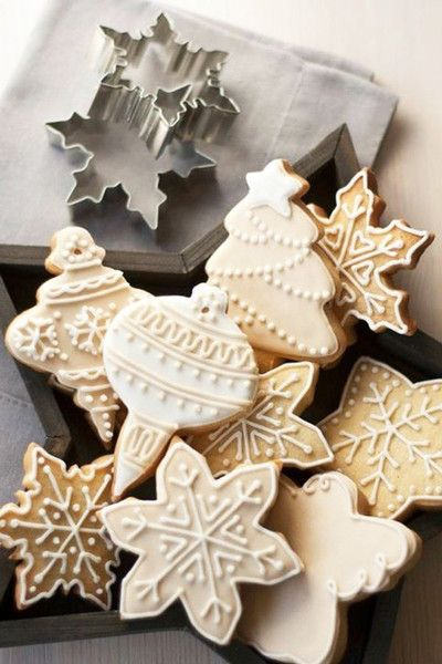 Frosted Delights - Christmas Cookies That Are Almost Too Pretty To Eat - Photos