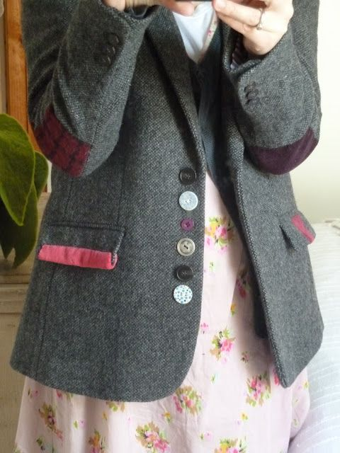 The Crafte Nook - a nice way to liven up a tired secondhand jacket