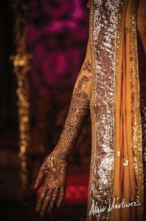 Intricate  henna work!!! Bridal henna.  Mehndi