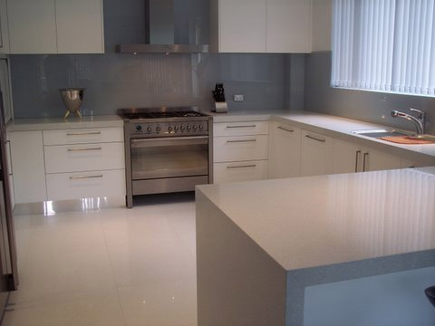 White Kitchen - Drawers in corner space