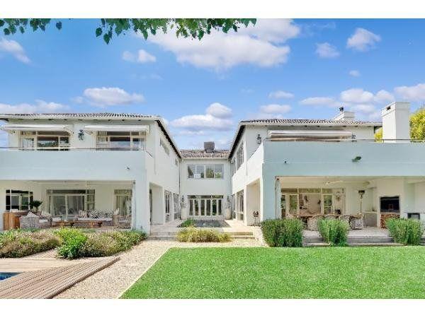 5 bedroom house in Fourways Gardens, , Fourways Gardens, Property in Fourways Gardens - S898081