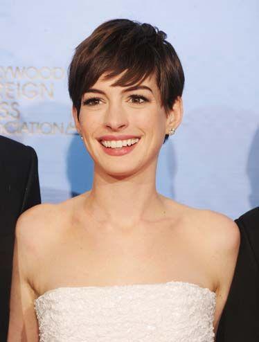 Anne Hathaway New Short Hair | Anne Hathaway - Beautiful Women with Short Hair - Esquire