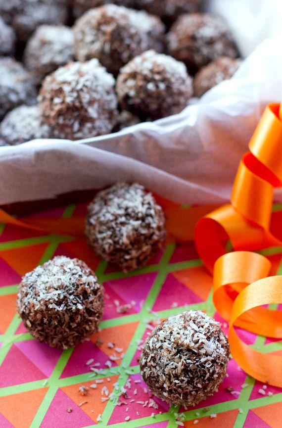 Jaffa rum balls (grain & dairy free). Raw, vegan, paleo and super super yummy. | Eat Drink Paleo