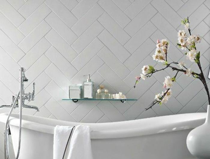 baignoire fonte ancienne baignoire en fonte couleur prune with baignoire fonte good baignoire. Black Bedroom Furniture Sets. Home Design Ideas