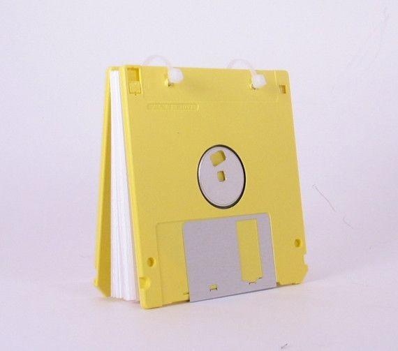 El Arte de Reciclar: Libro de notas hecho con disquetes