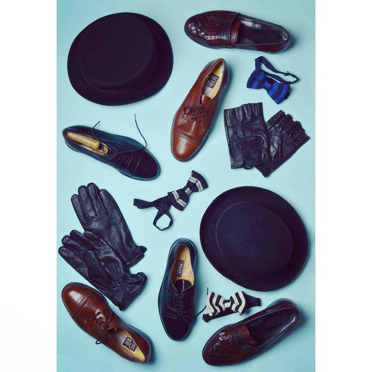 Gentleman must-haves 🎩 #vintage #men #gentleman #accessories #autumn #vinter #hat #bowlerhat #gloves #bowtie #leather #shoes #oxford #loafers #cylinder #elegant #classic #style