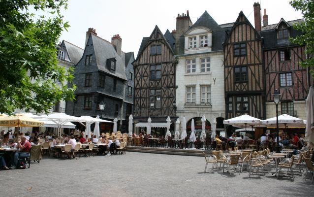 France : les plus belles places pour prendre l'apéro | Lonely Planet