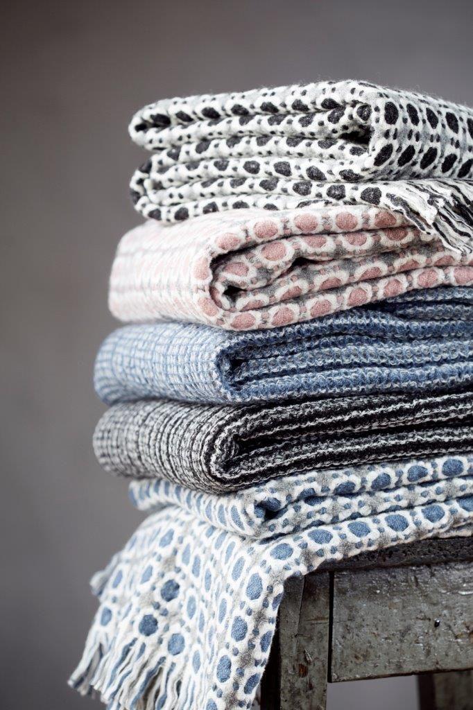 CORONA and KAARNA blankets, Design by Marja Rautiainen. New innovation of Esko Hjelt, Lapuan Kankurit. 100% lambswool - Made in Finland.