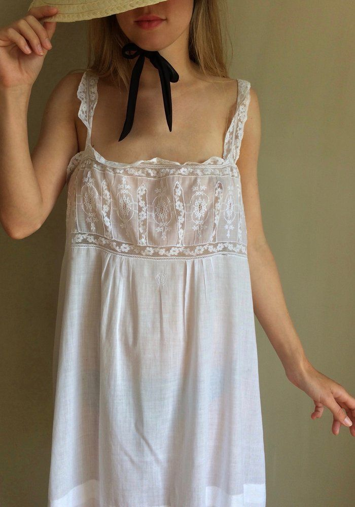 1900's WHITE LACE MINI DRESS @PDPVINTAGE www.pommedepinvintage.com